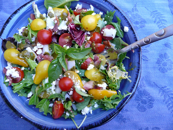 Bacon, lettuce and tomato salad with Feta and Basil Vinaigrette