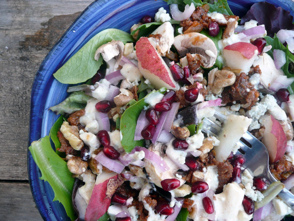 Blues n Beef Salad with Pear & Pomegranate Sumptuous Spoonfuls