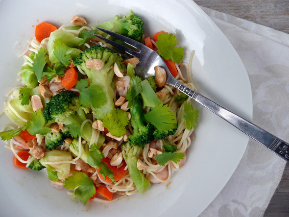 Thai Peanut Noodles with Shrimp, Carrots & Broccoli