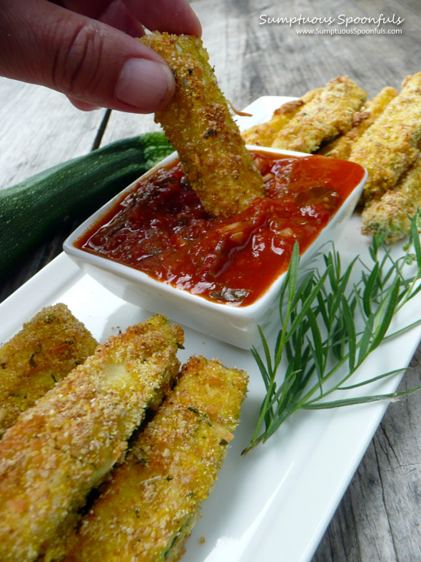 Baked Parmesan Tarragon Zucchini Fries ~ Sumptuous Spoonfuls #zucchini #recipe