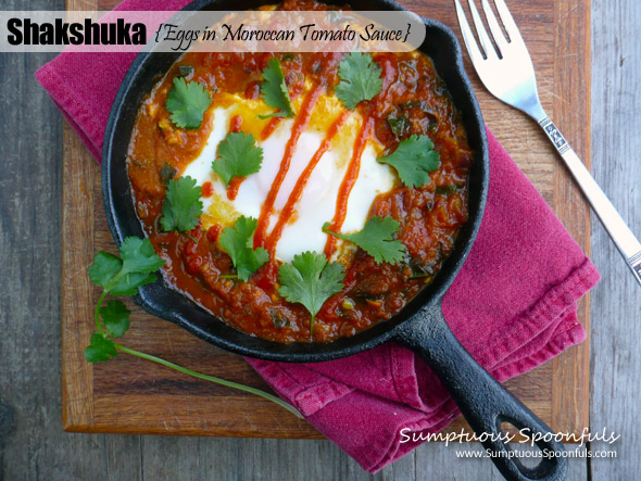 Shakshuka {Eggs in Spicy Tomato Sauce}
