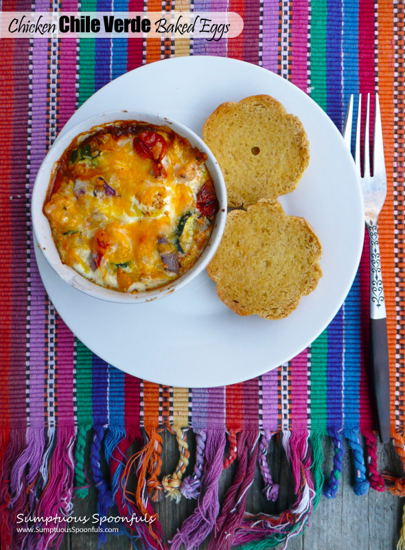 Chicken Chile Verde Baked Eggs ~ Sumptuous Spoonfuls #Mexican #Breakfast #Recipe