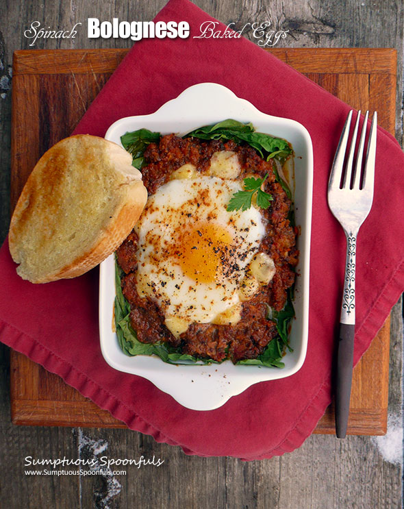 Spinach Bolognese Baked Eggs ~ Sumptuous Spoonfuls #quick #healthy #breakfast #dinner #recipe