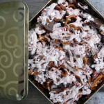 Chocolate Peppermint Pretzel Munch ~ Sumptuous Spoonfuls #chocolate #peppermint #pretzel #recipe