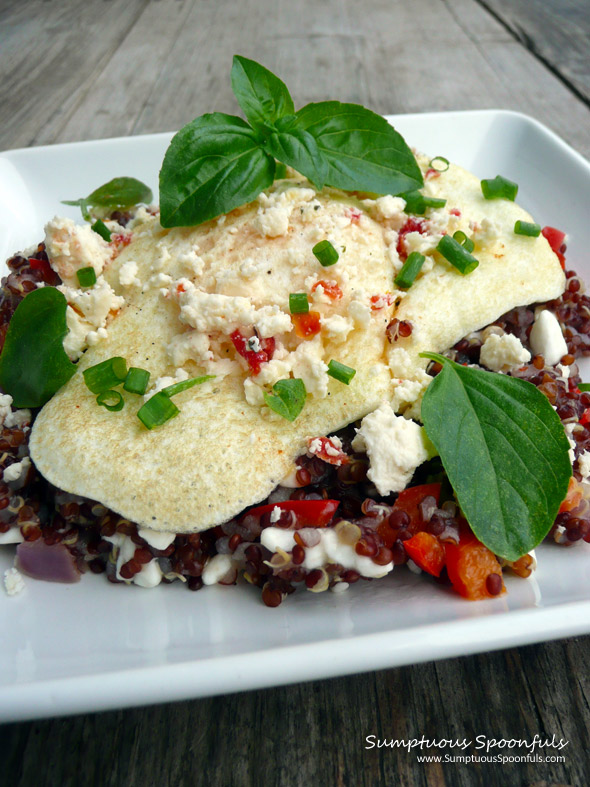 Savory Sweet Pepper & Onion Breakfast Quinoa ~ Sumptuous Spoonfuls #breakfast #egg #quinoa #recipe