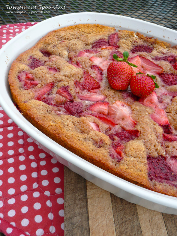 Fresh & Easy Strawberry Cobbler ~ Sumptuous Spoonfuls #strawberry #dessert #recipe