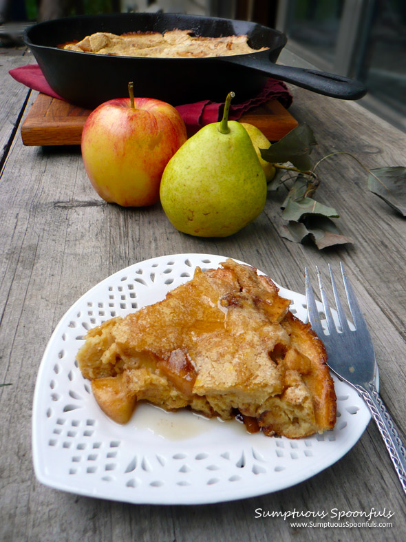 Caramelized Apple Pear Dutch Baby ~ Sumptuous Spoonfuls #breakfast #recipe