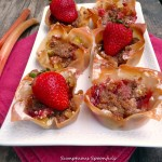 Strawberry Rhubarb Crumble Mini-Pies ~ Sumptuous Spoonfuls #bite-size #dessert #recipe