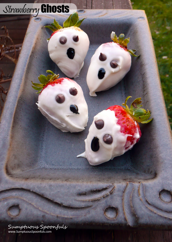Strawberry Ghosts ~ Sumptuous Spoonfuls #Halloween #dessert #recipe